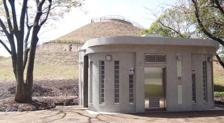 blog13.4.4fujiparktoilet.jpg